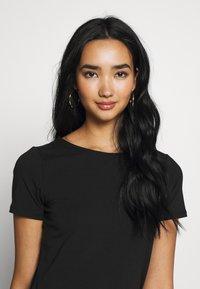 ONLY - ONLMATHILDE ORGANIC - T-shirt imprimé - black - 3