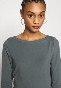 ONLY - ONLFIFI LIFE BOAT NECK - Bluzka z długim rękawem - balsam green - 4