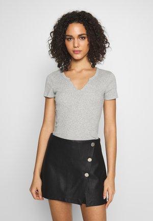 ONLVICKY TEE - T-shirt basique - medium grey melange