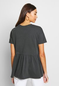 ONLY - ONLALLIE  LONG TEE - T-shirts - black - 2
