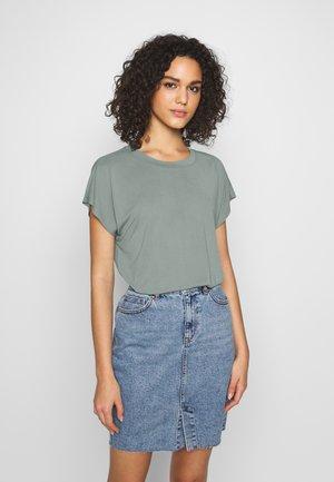 ONLFREE LIFE O-NECK - Basic T-shirt - chinois green