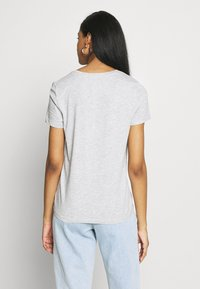 ONLY - ONLPOLLY LIFE - T-shirt con stampa - light grey - 2