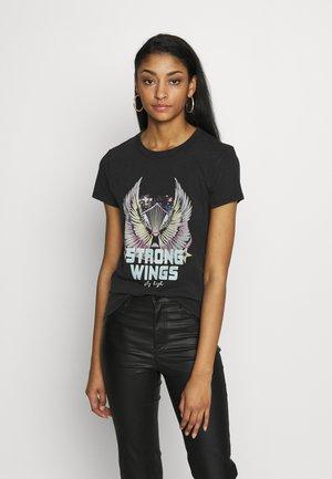 ONLLUCY LIFE FIT  WINGS ACID - T-shirt z nadrukiem - black