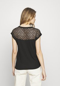 ONLY - ONLNEW NICOLE LIFE - T-shirts med print - black - 2