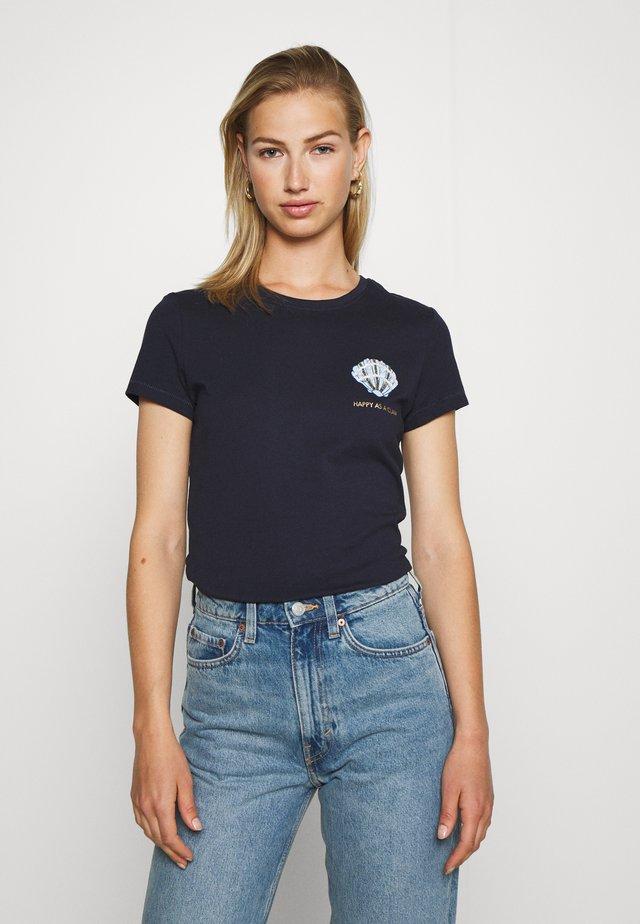 ONLKITA LIFE - Camiseta estampada - night sky