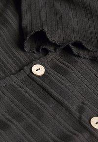 ONLY - ONLDABI - T-shirts - black - 2