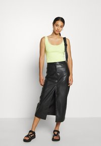 ONLY - ONLDAISY LIFE 2 PACK - Top - black/sunny lime - 0
