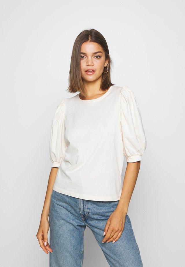 ONLSASHA PUFF - Camiseta estampada - ecru