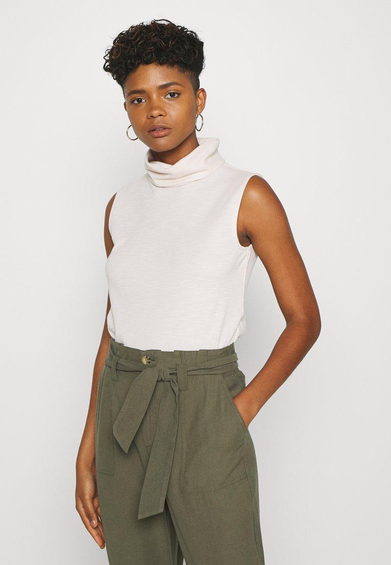 ONLY - ONLLAYLA HIGHNECK  - T-shirt z nadrukiem - pumice stone