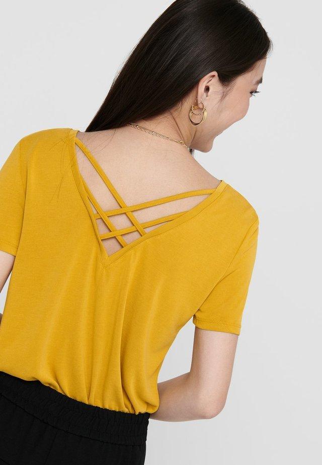 Camiseta estampada - golden spice