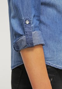 ONLY - ONLALWAYSROCK - Chemisier - dark blue denim - 5
