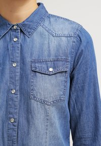 ONLY - ONLALWAYSROCK - Chemisier - dark blue denim - 4