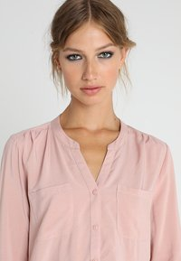 ONLY - ONLFIRST POCKET - Camisa - misty rose - 3