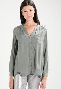 ONLY - ONLFIRST POCKET - Camisa - agave green - 0