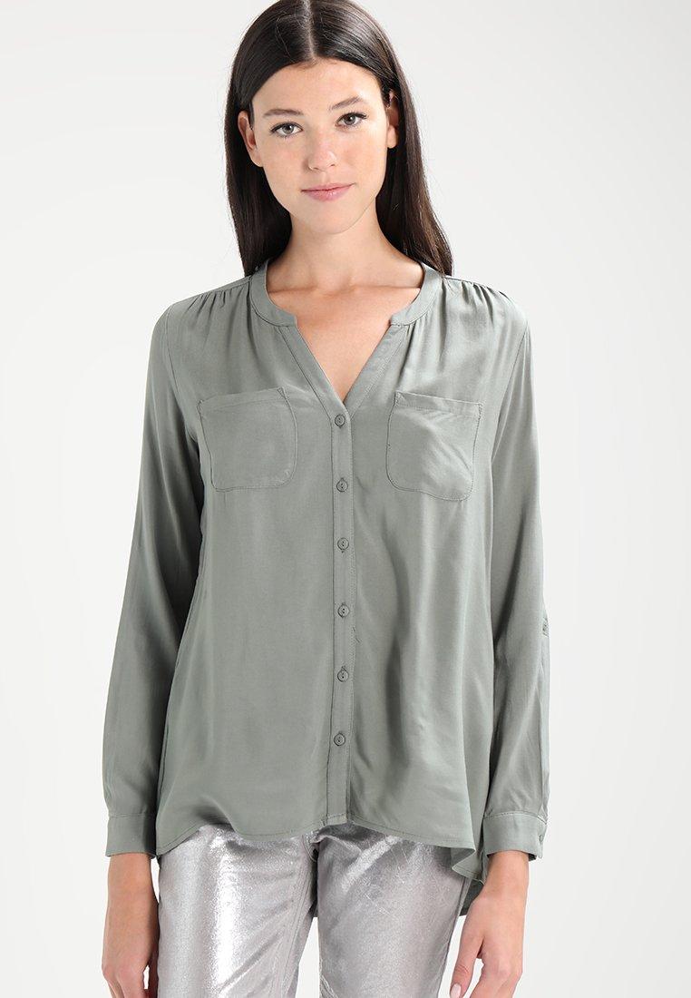 ONLY - ONLFIRST POCKET - Camisa - agave green