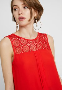 ONLY - ONLVENICE - Bluser - flame scarlet - 4