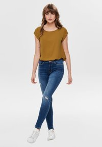 ONLY - ONLVIC  - Blusa - cathay spice - 3