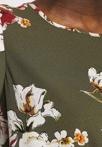 ONLY - ONLVIC - Blouse - kalamata/ditte flower - 6