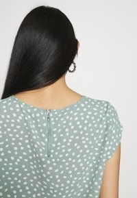 ONLY - ONLVIC - Blouse - chinois green/karo - 3