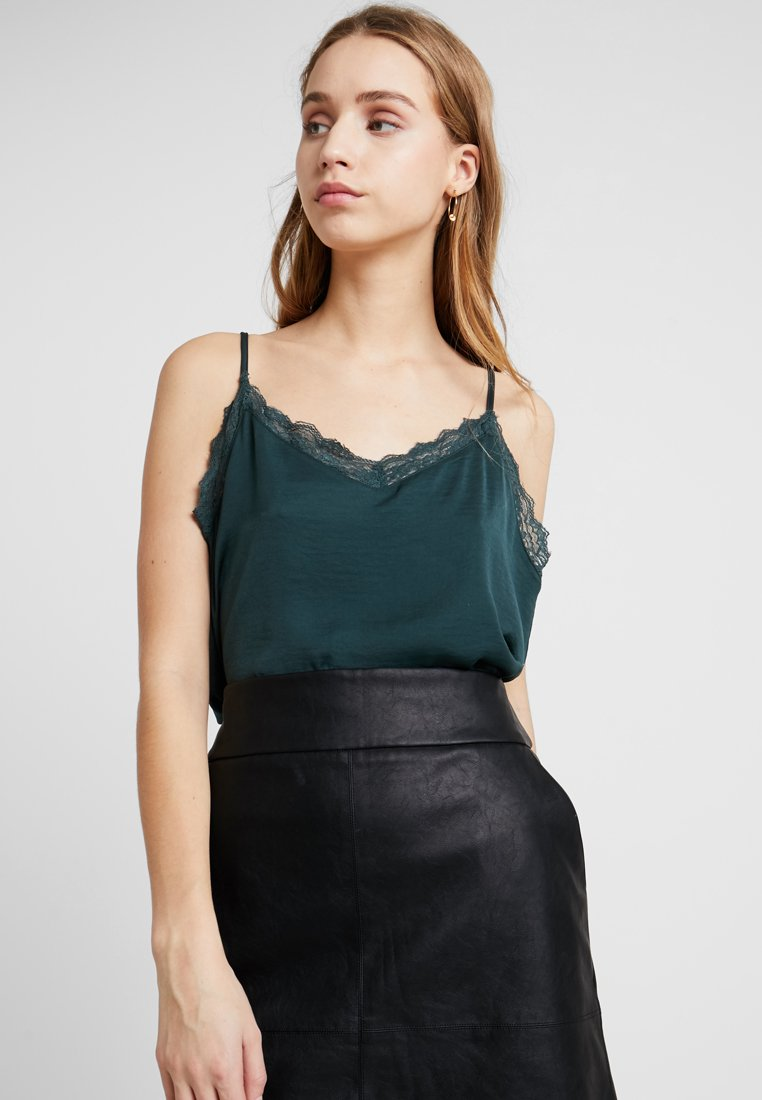ONLY - ONLSOPHIE SINGLET - Top - green gables