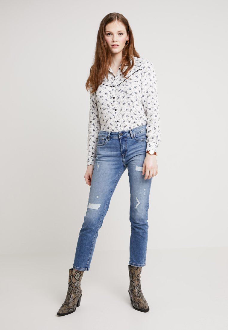ONLY - ONLCHARLOTTE - Camisa - cloud dancer