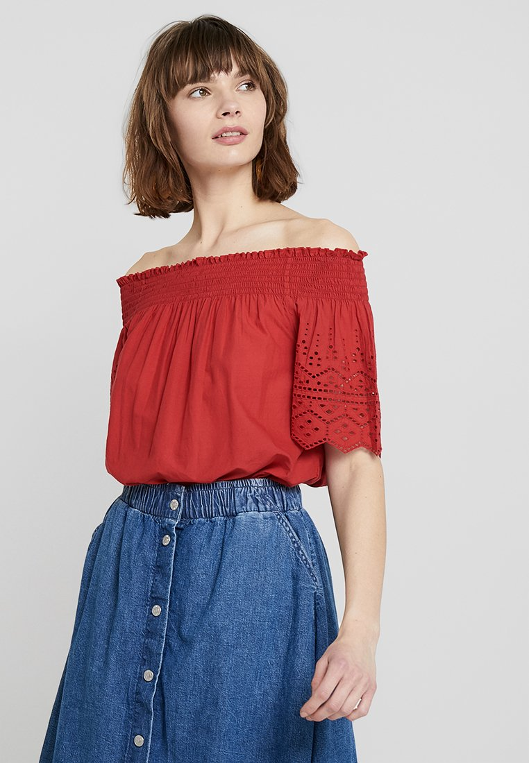 ONLY - ONLSHERY ANGLAISE OFF SHOULD - Blouse - chili pepper