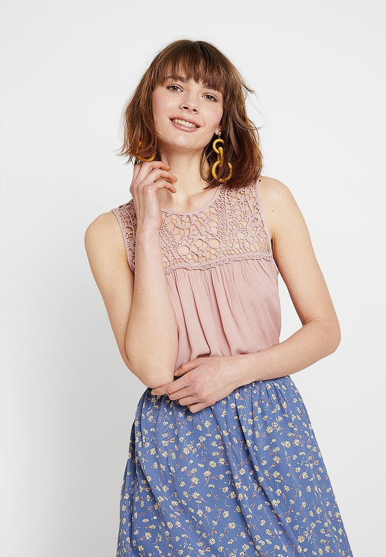 ONLY - ONLRINA - Bluse - adobe rose