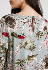 ONLY - ONLSALLY - Blouse - balsam green/tropical - 5