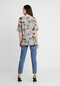 ONLY - ONLSALLY - Blouse - balsam green/tropical - 2