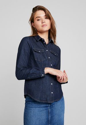 ONLMACE BOX  - Overhemdblouse - dark blue denim