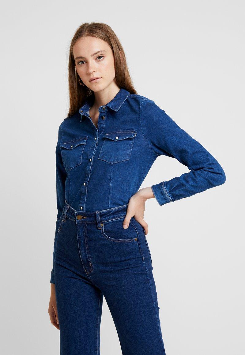ONLY - ONLROCK RETHINKING - Skjortebluser - dark blue denim