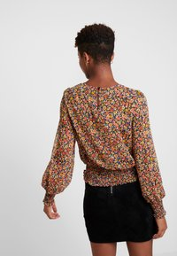 ONLY - ONLMANDY SMOCK - Blusa - black/multiflower