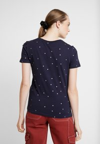 ONLY - ONLWILLY BOX - T-shirt z nadrukiem - night sky/silver stars - 2