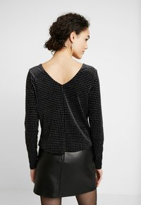 ONLY - ONLLOVABLE GLITTER - Long sleeved top - black - 2
