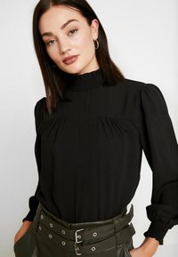 ONLY - ONLRUBIA SMOCK - Blouse - black - 3