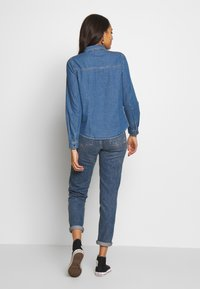 ONLY - ONLSASSY  POCKET - Chemisier - medium blue - 2