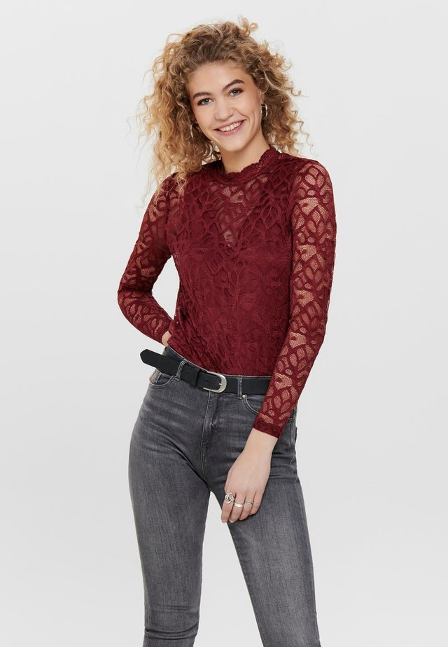 Blusa - red pear