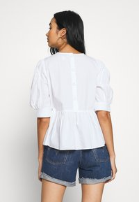 ONLY - ONLKARLA S/S PUFF SLEEVE TOP WVN - Camicetta - white - 2