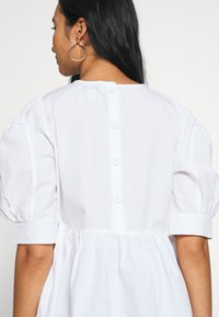 ONLY - ONLKARLA S/S PUFF SLEEVE TOP WVN - Camicetta - white - 5