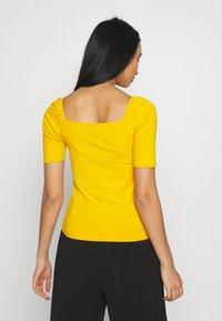 ONLY - ONLSALLY ORGANIC - T-shirts - mango mojito - 2