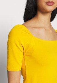 ONLY - ONLSALLY ORGANIC - T-shirts - mango mojito - 5