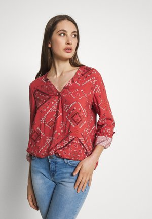 ONLDEE LIFE V-NECK - Blouse - hot sauce