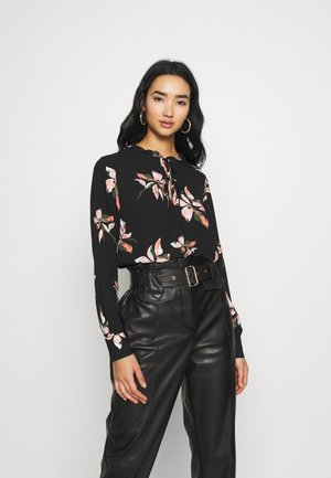 ONLCARRIE FRILL  - Bluse - black