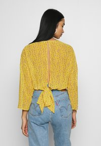 ONLY - ONLSUNNY BLOUSE - Bluser - misted yellow - 2