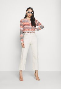 ONLY - ONLZAFFY - Bluser - cloud dancer/aztec - 1