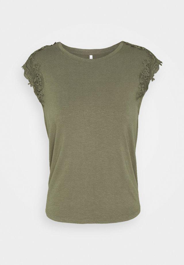 ONLALEXA - Camiseta estampada - kalamata