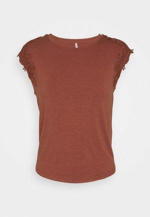 ONLALEXA - T-shirt imprimé - burnt henna