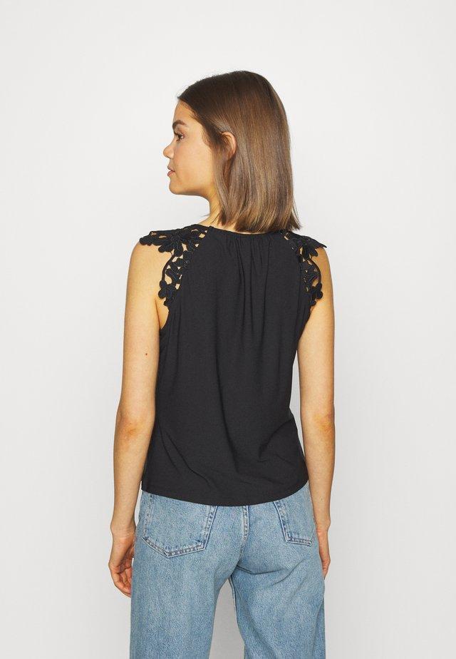 ONLSILJA LIFE - T-shirt basic - black