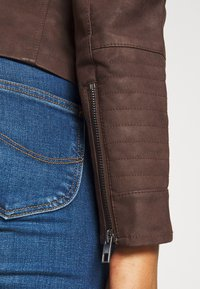 ONLY - ONLAVA BIKER  - Faux leather jacket - chicory coffee - 4