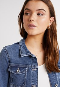 ONLY - ONLTIA - Veste en jean - medium blue denim - 3